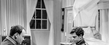 Napoléon et Gourgaud (Raymond Pellegrin et Roger Crouzet) Getty Images