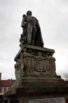 Statue de Mouton à Phalsbourg
