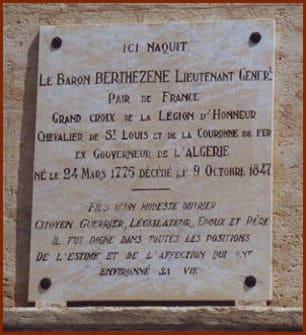 Plaque apposée sur la maison natale du général Berthézène